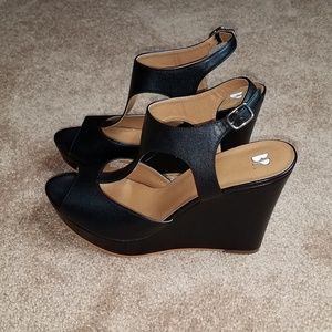 BP black wedges